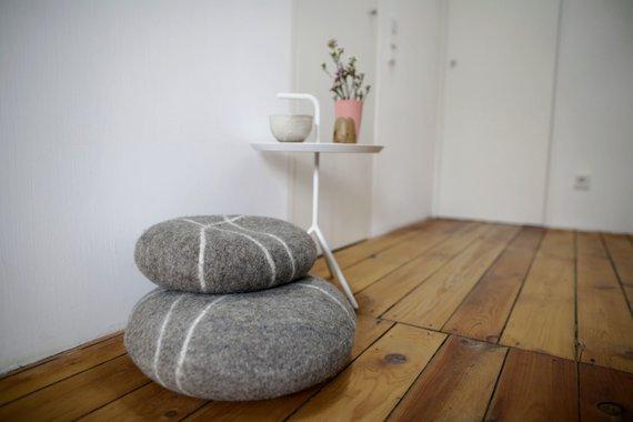 Kieselstein als Bodenkissen, Gefilzte Wolle, Meditationskissen