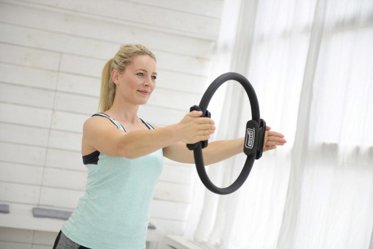 Pilates nach der Schwangerschaft mit dem Pilatesring
