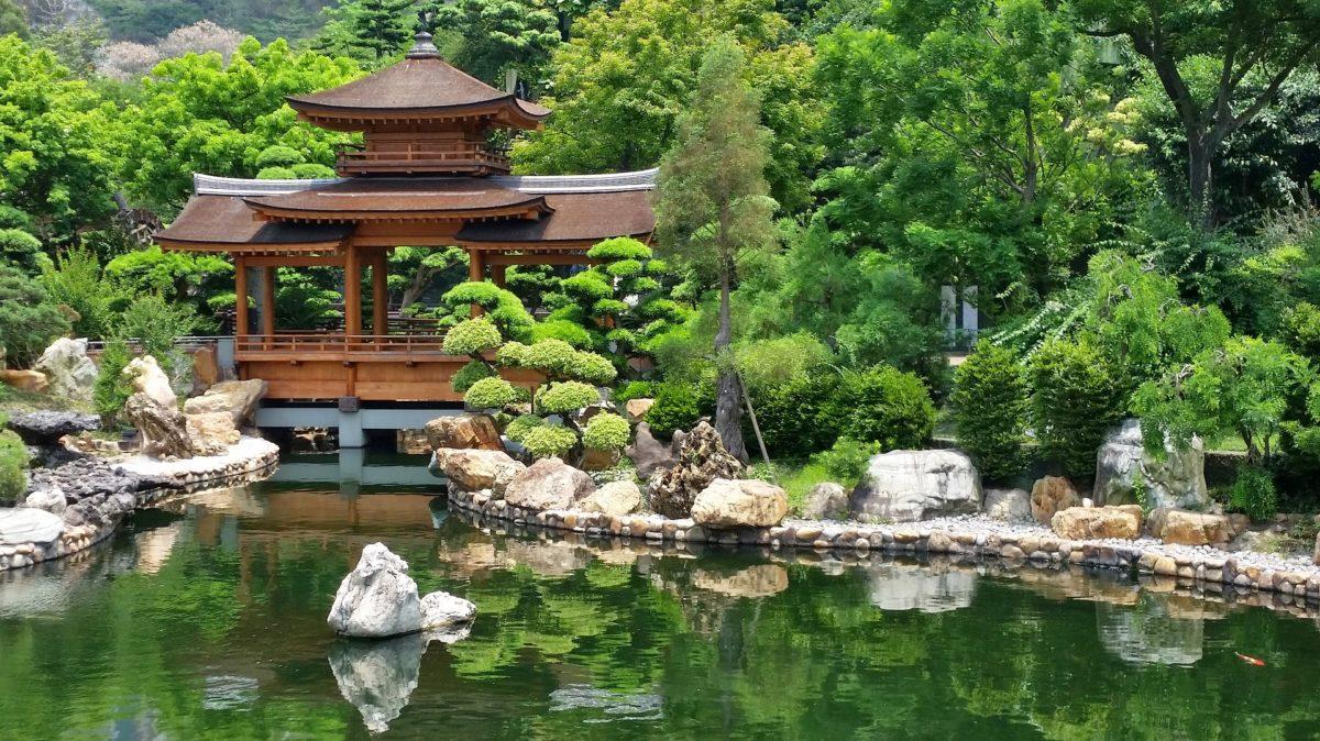 Meditation im Zen Garten