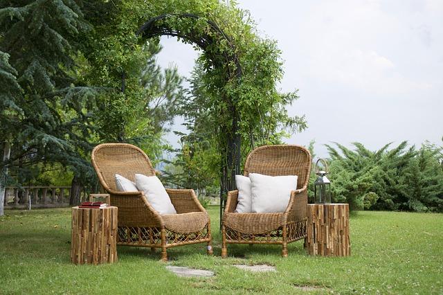 Sitzgelegenheiten zum Entspannen für den Garten